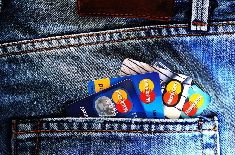 Rachunek bankowy dla siebie lub firmy – jak go wybrać?